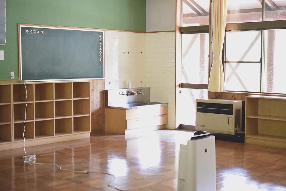さる小 教室